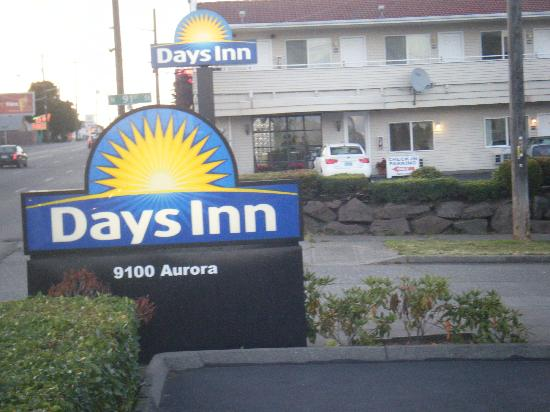 Days Inn Seattle North of Downtown: Hotel entrance