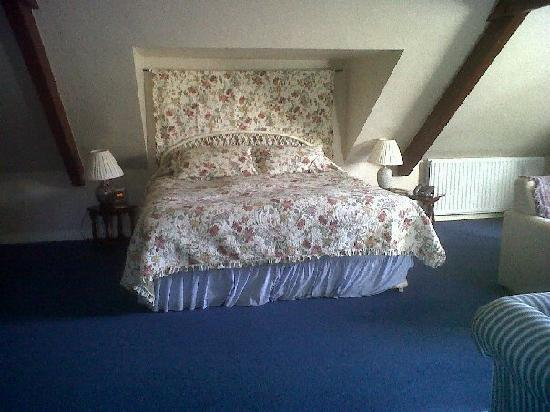 Farthings Country House Hotel and Restaurant : The most comfortable bed ever!