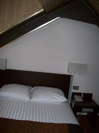 Floris Grand Place: loft bed room