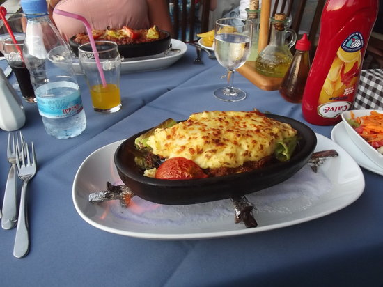 Domino's Restaurant: Food was amazing!!