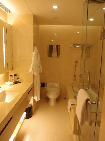 Crowne Plaza Hotel Hong Kong Causeway Bay: Bathroom