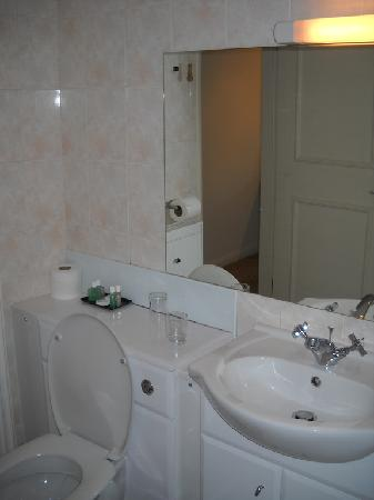 The George at Easingwold: Toilet