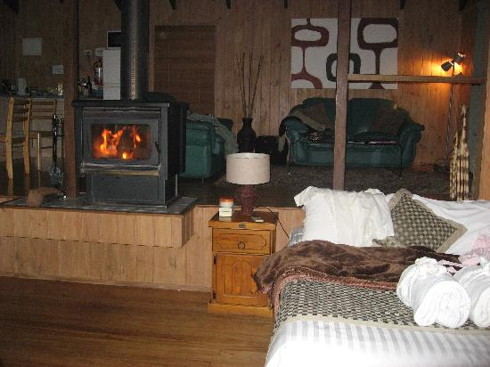 Treetops Seaview: Warm and Cosy