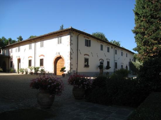 Agriturismo Fattoria I Ricci: Apartments are in this building