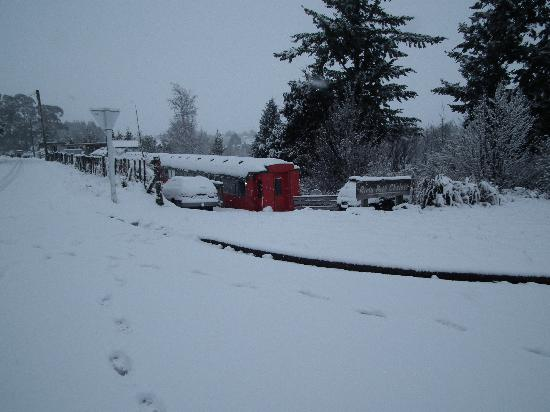 Rimu Park Lodge: Woke up to snow