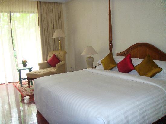 Sofitel Angkor Phokeethra Golf and Spa Resort: Une chambre