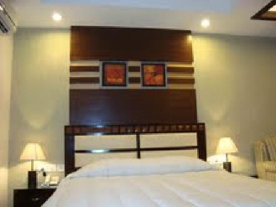 Pyramid Inn: Deluxe Room