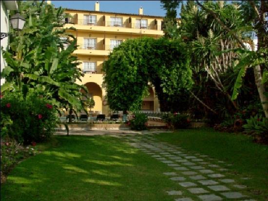 Monasterio De San Miguel Hotel : Jardin