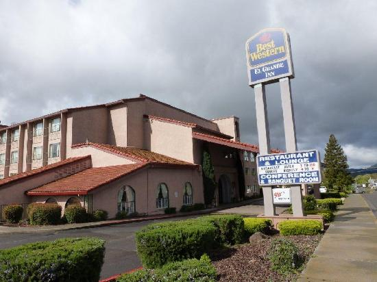 BEST WESTERN El Grande Inn: Front of the Hotel