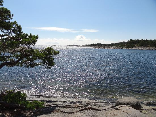 Uto Vardshus Restaurang : The other side of the island