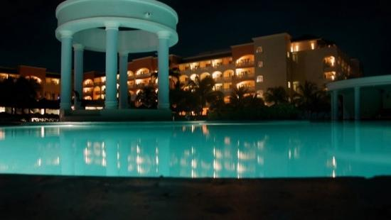 Iberostar Grand Hotel Rose Hall : Night view of Rosehall Suites