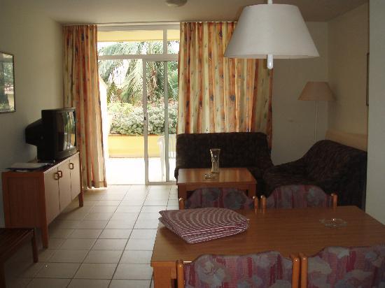 Tigaiga Suites: Living area