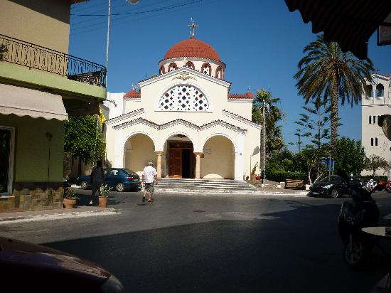 Emilia Apartments: Elounda Church