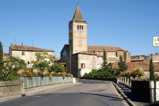 Jardins de Saint-Benoit: The village
