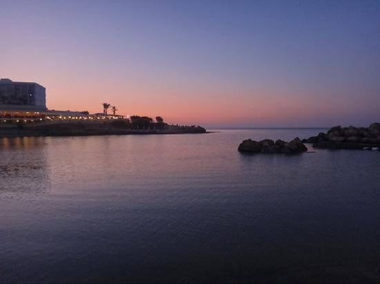 Livas Hotel Apartments: pernera bay at sunset, gets quiet around this time