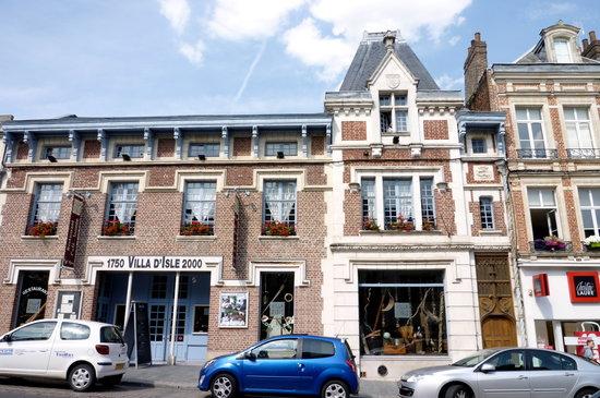 St-Quentin, France: sympa à l'extérieur, mais éviter d'y manger