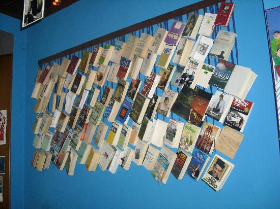 Casa Mad: la parete libreria