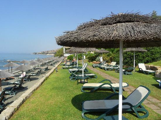Atlantica Bay Hotel : Beach
