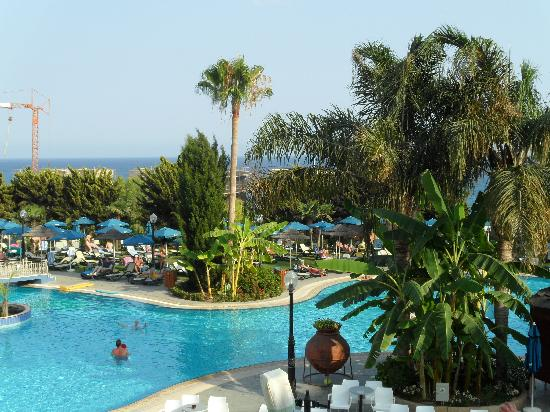 Atlantica Bay Hotel : Pool Area