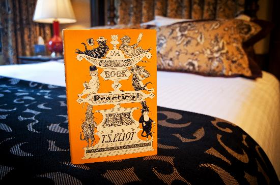 The Cheshire: Paying homage to the British theme, each room concept is derived from a famous British writer, a