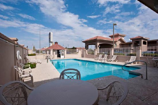 Best Western El Rancho Palacio: Pool at Best Western