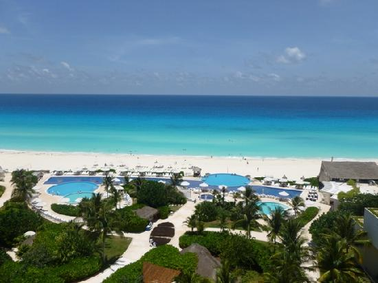 View from 5th floor oceanfront room 5030 picture of live aqua beach resort cancun cancun for How many rooms at live aqua cancun