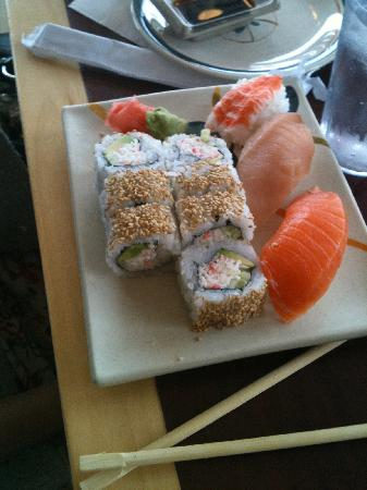 Japanese Wasabi Sushi Wonton House: Sushi & Roll