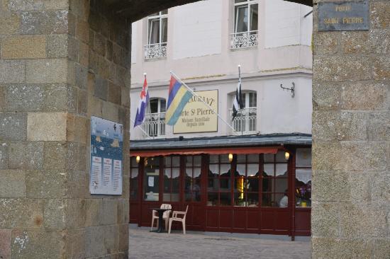 Hotel La Porte St Pierre St Malo