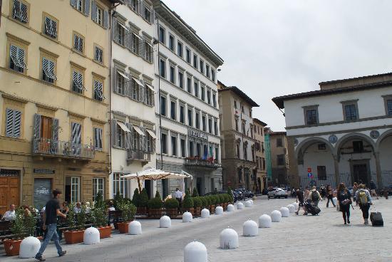 Hotel Roma: Das letzte Haus auf der linken Seite ist das Hotel