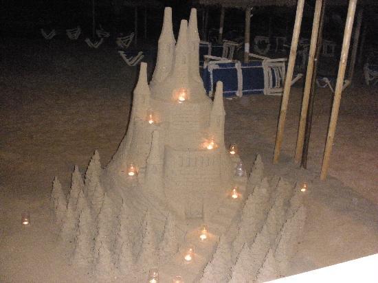 Hotel JS Yate: Sandfigur aber es gab eindeutig noch ausgefallenere und schwierigere zu sehen