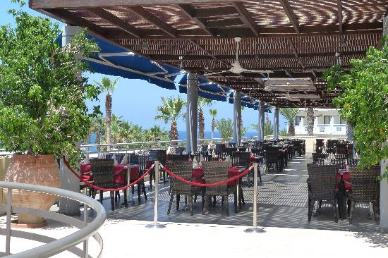 Chlorakas, Chypre : Outside terrace of restaurant