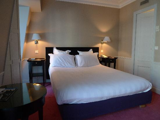 Hotel le Lavoisier: Room-1