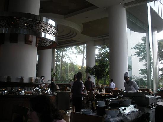 Montien Riverside Hotel: Breakfast Room
