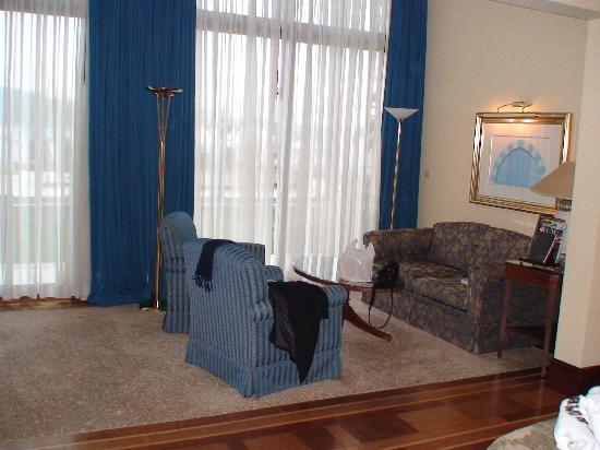 โรงแรมซีราแกนพาเลซ เคมพินสกี้ อิสตันบุล: detalle habitacion