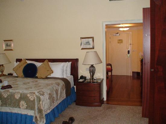 โรงแรมซีราแกนพาเลซ เคมพินสกี้ อิสตันบุล: cama habitacion