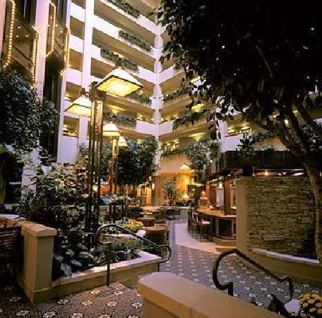Capitol Plaza Hotel Topeka Lobby Atrium Area