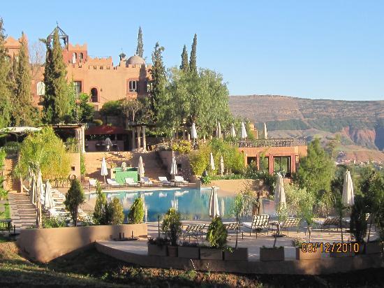 Kasbah Tamadot: A view looking back at the hotel