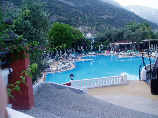 Club Belcekiz Beach Hotel : pool view