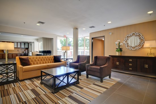 BEST WESTERN PLUS Rancho Cordova Inn: Lobby