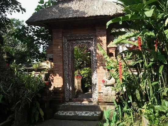 Taman Indrakila: Entrance to the villas