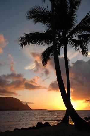 St. Regis Princeville Resort: Sunset from the St. Regis Beach