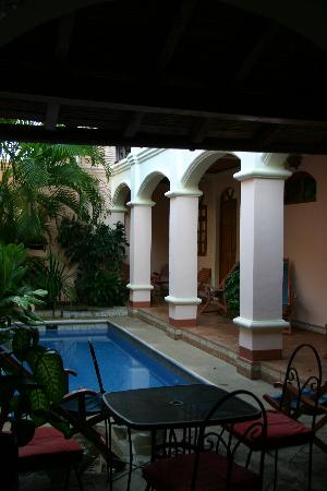 Casa San Francisco: pool area