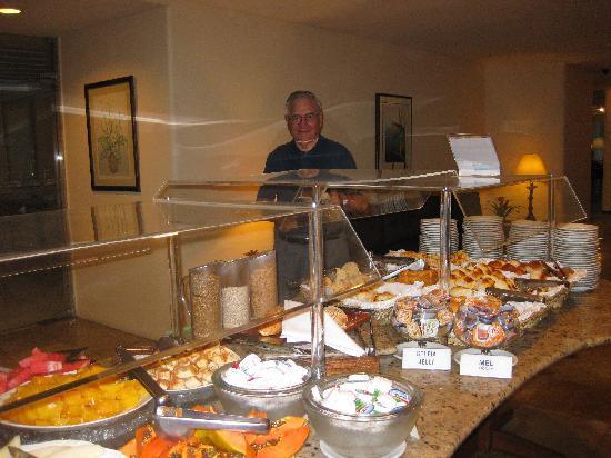 Hotel Savoy Othon: Breakfast spread