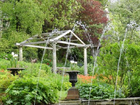 Austwick Hall: The garden