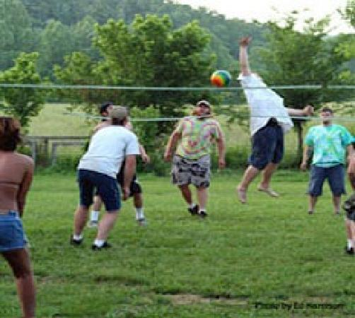 Mountain Creek Campground: Vollyball Actives