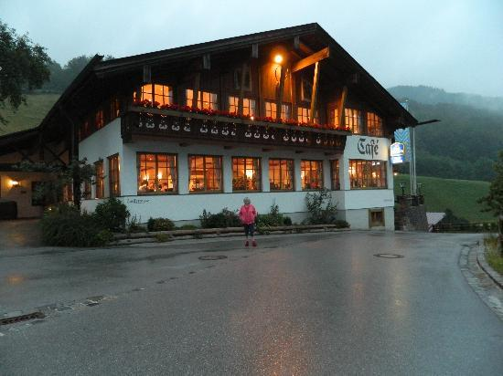 Best Western Plus Berghotel Rehlegg: The adjacent restaurant