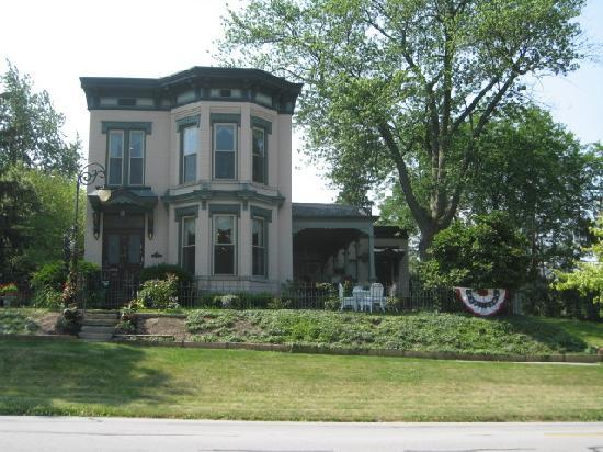 The Housley House B&B : Exterior View