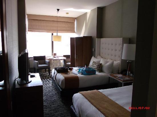 The Bentley Hotel: Cool standard room