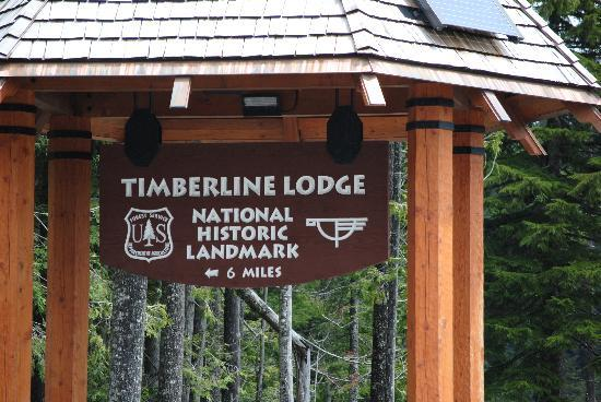 The Grand Lodges: Road to Timberline Lodge Nearby