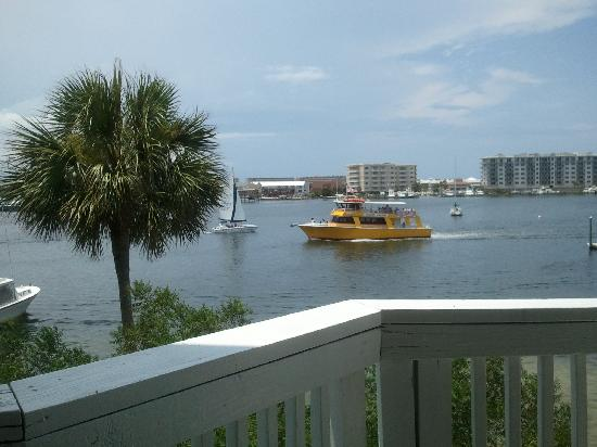 Gilligan's Seafood: nice view from patio